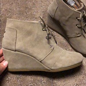 Brand New, Never Worn Toms Wedge Booties